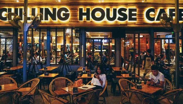 Chilling House Cafe ร้านเหล้ายอดนิยมย่านราชเทวี awaygpub