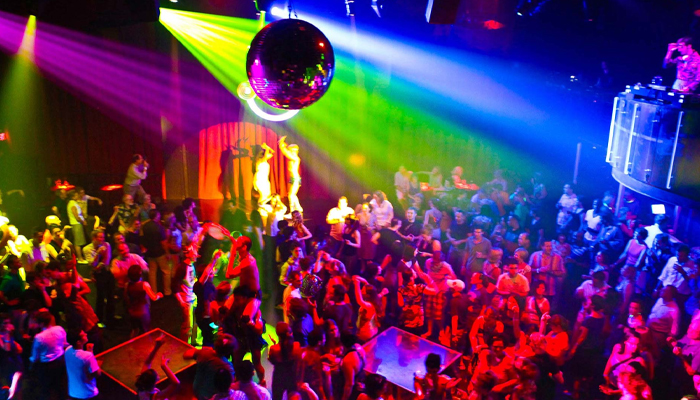 Fake Club Bangkok ผับที่สนุกสุดมันส์ขวัญใจชาว LGBT awaygpub
