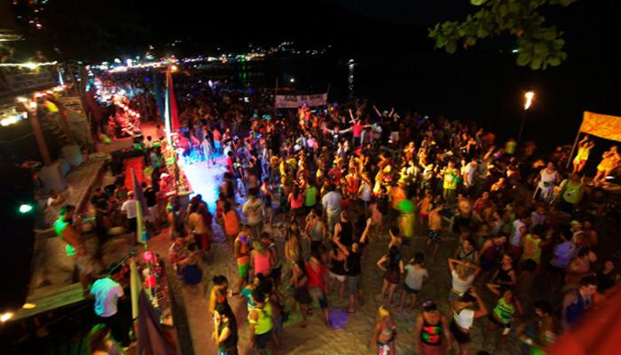 Pirates Bar Moon Set Party บาร์โจรสลัดสุดลึกลับบนเกาะพะงัน บาร์วิวดีที่สุดในเชียงใหม่awaygpub