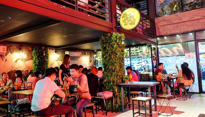Polar Bar&Grill ร้านเหล้าซอยรางน้ำ awaygpub