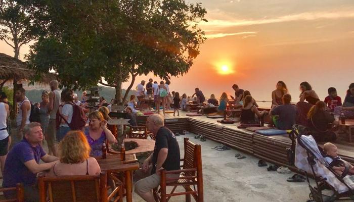 ThreeSixty Bar บาร์ดีวิวสวย ณ เกาะพะงัน awaygpub