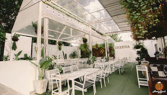Cheewa Cafe Social Bar ร้านนั่งชิลบาร์น่านั่งในอยุธยา