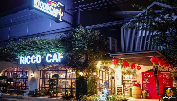 Ricco Caf ร้านนั่งชิล คาเฟ่บาร์เล็กๆ ไม่ธรรมดาที่อุบลราชธานี