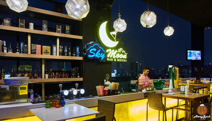 Yes Sky Moon Bar Bristo บาร์นั่งชิลล์ใจกลางเมืองอุบลราชธานี